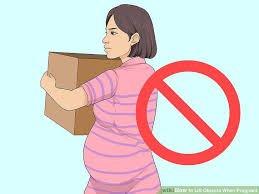 Không mang vác nặng khi mang thai và sau sinh để phòng ngừa sa tử cung